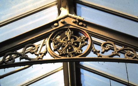 Cast iron, Lewes railway station