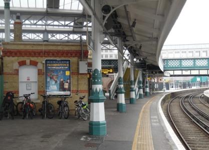 Cast iron pillars at Lewes railway station